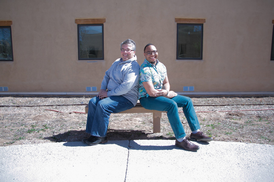 DeVillier and Sanders chillin' in front of Mouton Hall. Photo By Cydnie Smith-McCarthy.
