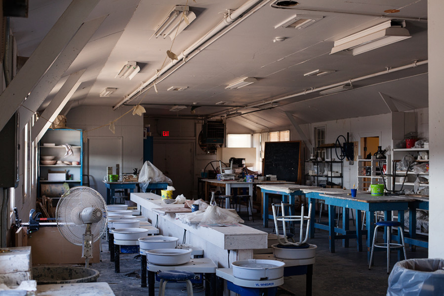 A ceramics lab is available for Studio Arts majors. Photo by René Bjorheim