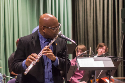 Contemporary Music Program Chairman Horace Alexander joined the ensemble. Photo by Jason Stilgebouer.