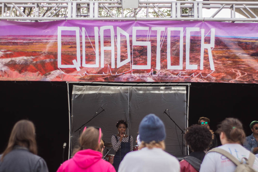 Students gather to watch Ardaya perform at Quadstock. Photo by Jason Stilgebouer.