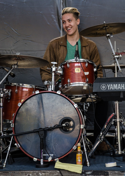 Josh Buchignani playing drums for Ardaya. Photo by Rebeca Gonzalez
