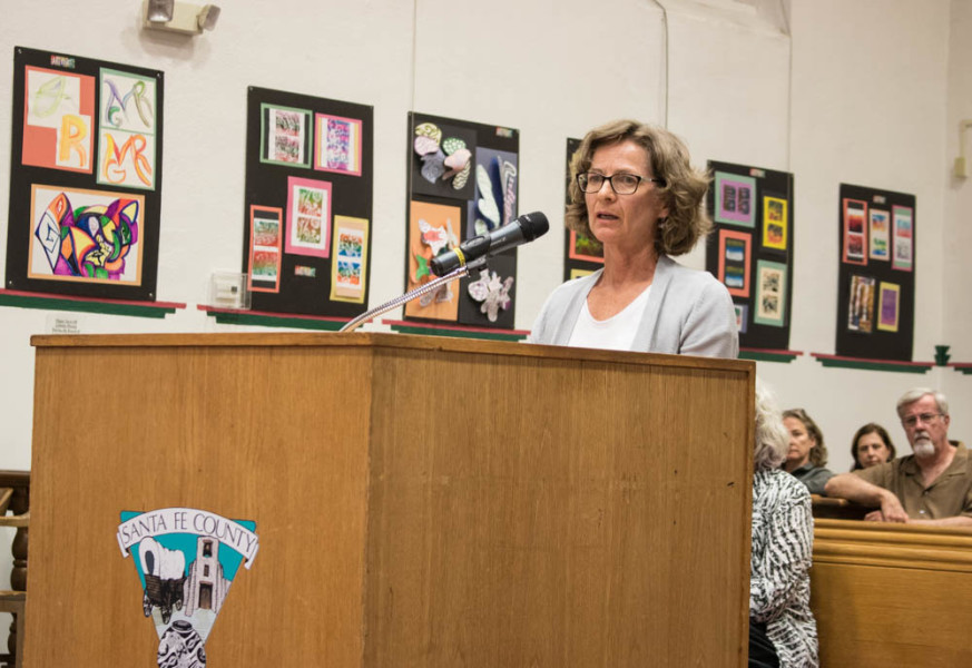 Martha Kennedy, leader of Chain Free Santa Fe, addresses the Santa Fe County Commissioners at a hearing on Sept. 13. Photo by Chris Dorantes