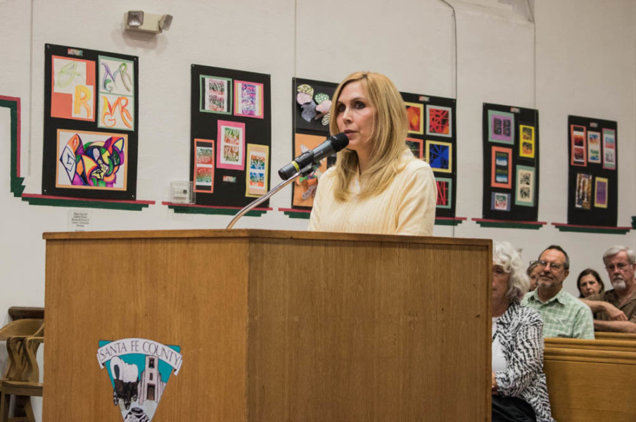 """Diana Dorantes explains to the Board of Commissioners, """"there are no bad dogs, just irresponsible pet owners"""" to resounding applause. Photo by Chris Dorantes"""
