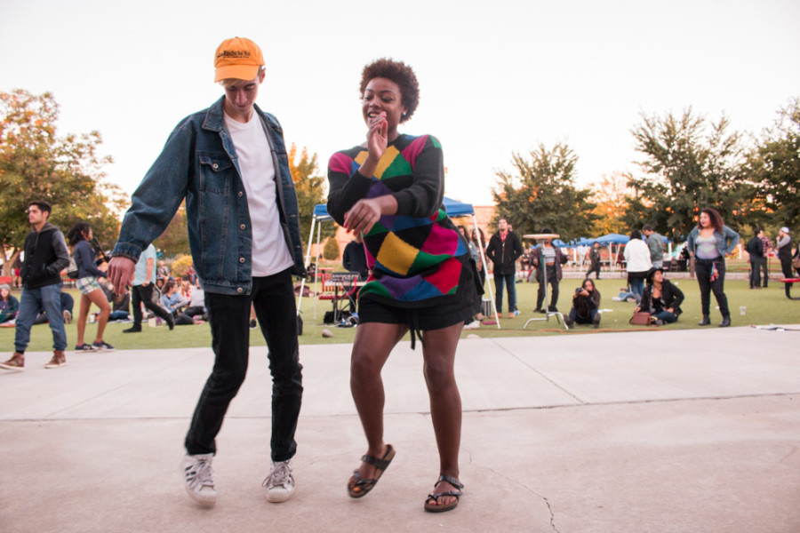 Ty Duke and Rachel Dupard dancing to the music of City Different Festival. Photo by Yoana Medrano.