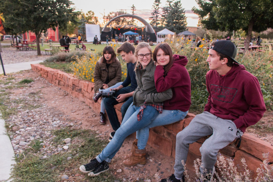 There is nothing better than food, music and the fall breeze to bring friends together. From right to left Michael Cummings, Diana Rasmussen, Leah O'Connor, Evan Groover, and Hannah Simmons.  Photo by Yoana Medrano.